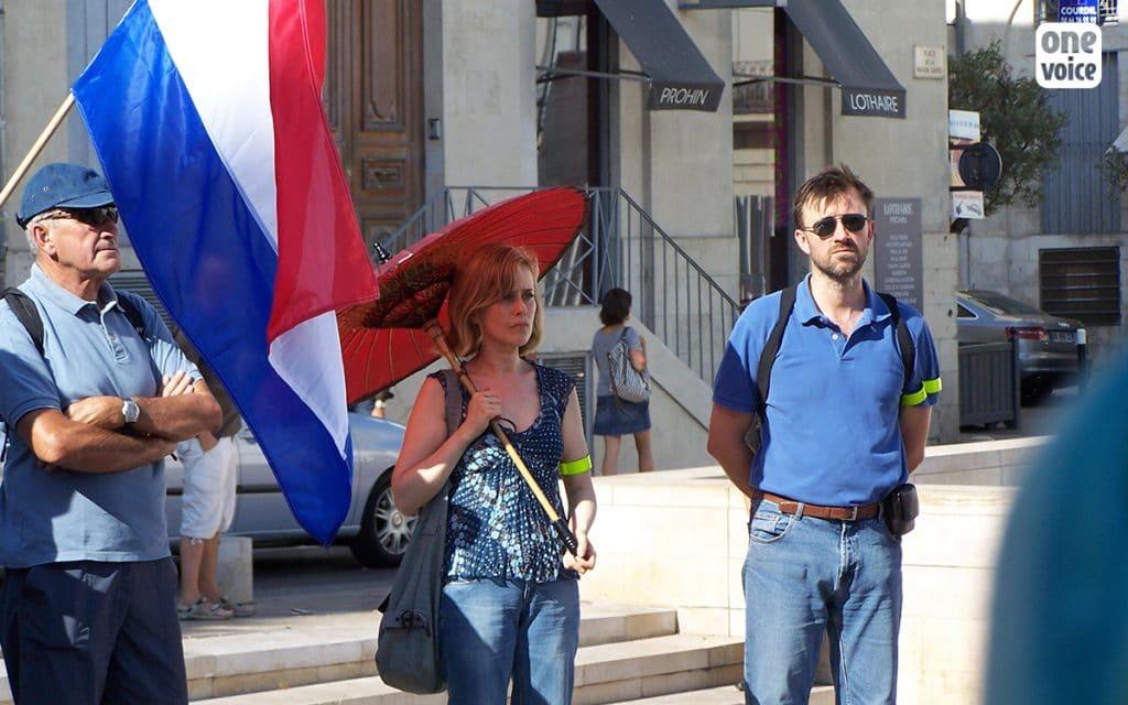 Cercle de silence contre la corrida, organisée à Nîmes à l'été 2010, avec le CRAC Europe.